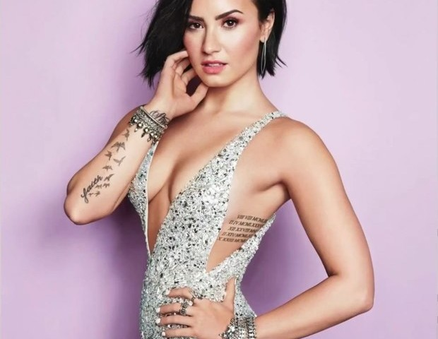 Who is demi lovato dating todays society 9